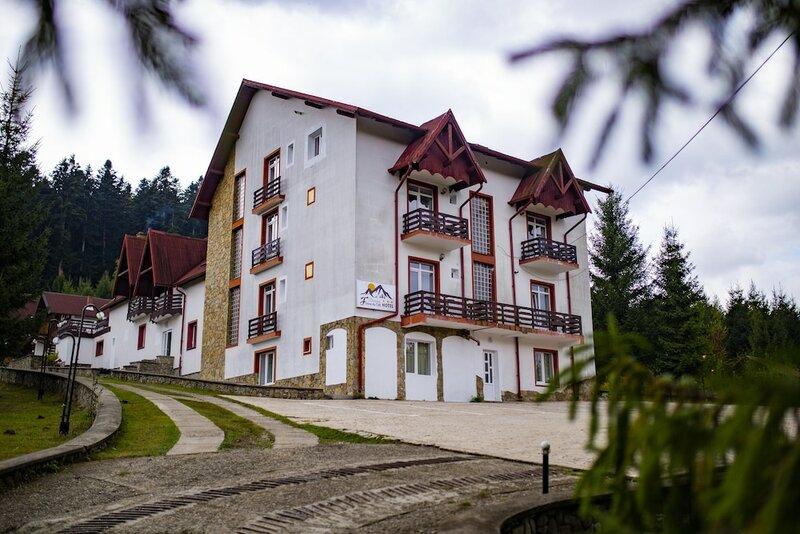 Hotel Floare de Colt Bucovina