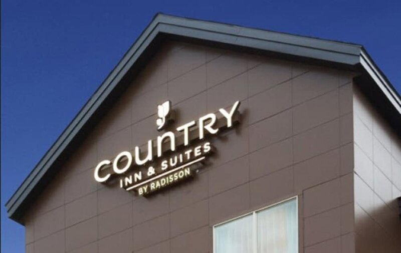Country Inn & Suites York