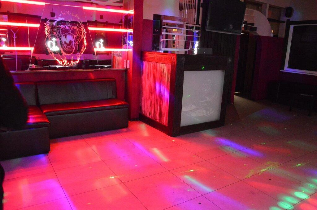 Ночной клуб база в великом новгороде нудисты клуб в москве