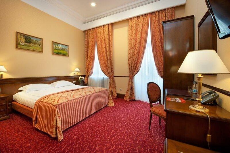 Отель Бристоль