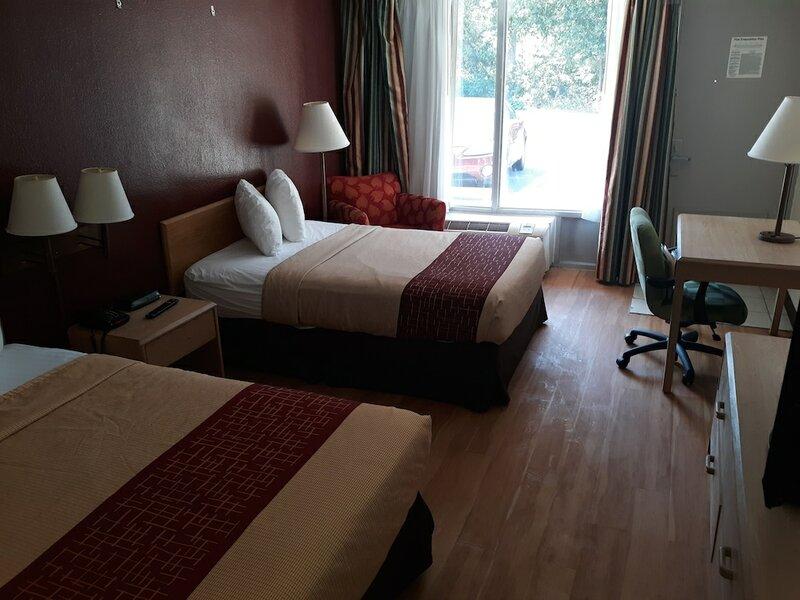 Oyo Hotel Phenix City Central