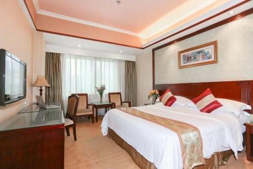 Vienna Hotel Shenzhen Xixiang Gushu Branch