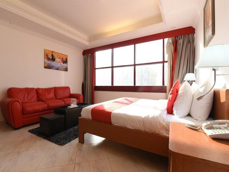 Oyo 272 Mirage Hotel