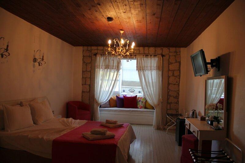 Begonvil Butik Otel by Aliki Alacati