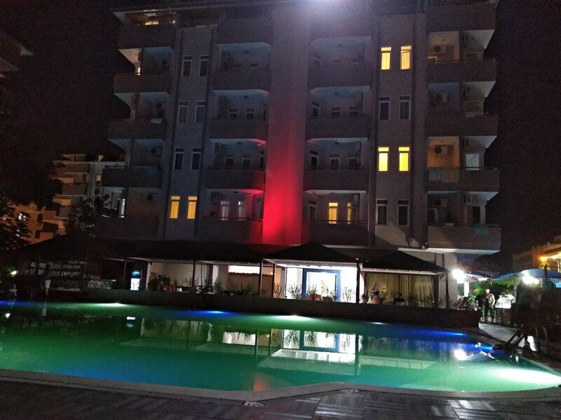 Happy Beach Hotel