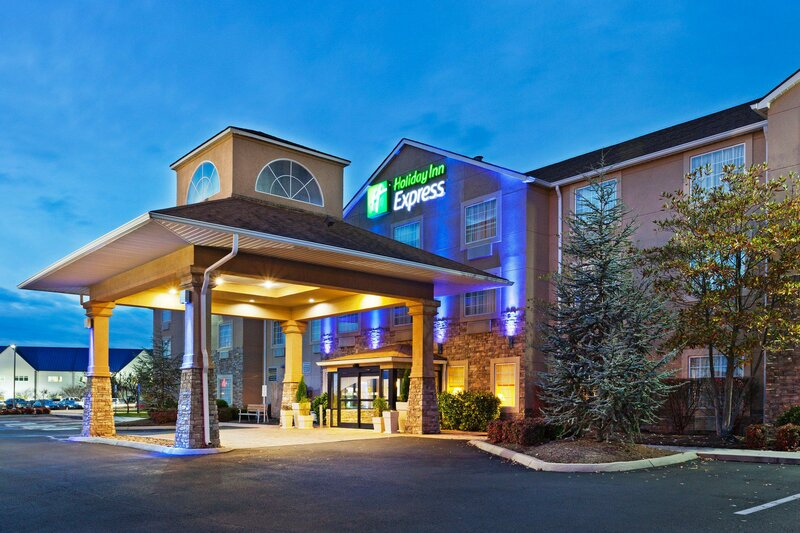 Holiday Inn Express & Suites Alcoa