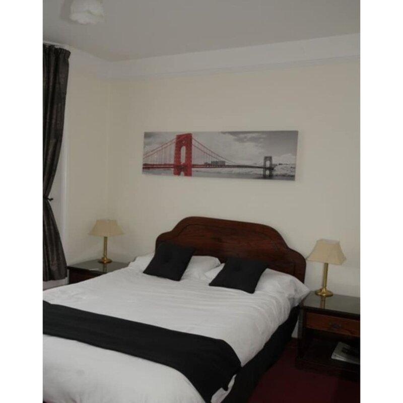 Wimblehurst Hotel