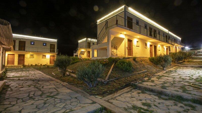 Sukha Inn Otel & Beach
