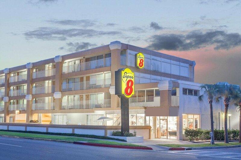 Super 8 Motel - Corpus Christi/Bayfront Area