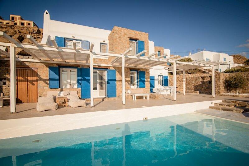 180 ° View Private Pool Villa Choulakia to enjoy Sun kissing Sea