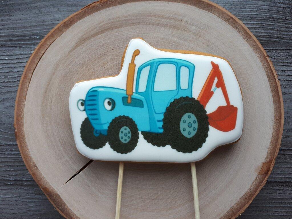 Торт с пищевой картинкой трактор