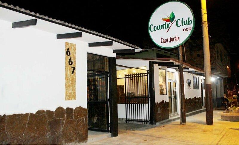 Country Club Eco Casa Jardín