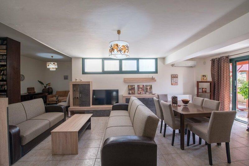 Ioanna's Residence