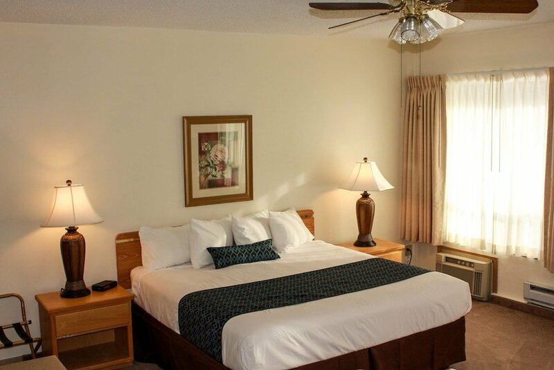 Helgeson Place Hotel & Suites