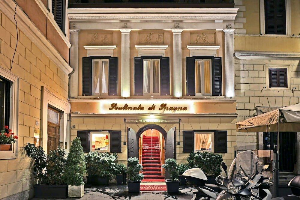 фото входов гостиницы рима