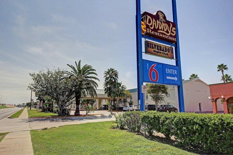 Motel 6 Laredo, Tx - North I-35