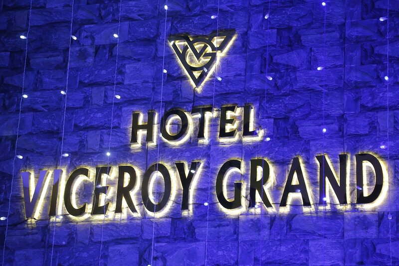 Ostin Viceroy Grand