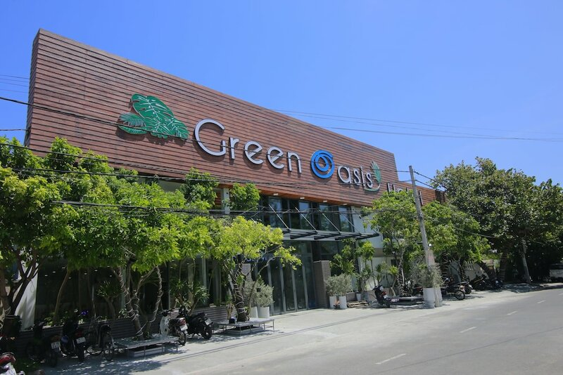 Green Oasis Hotel