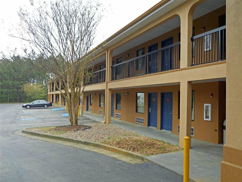 Country Hearth Inn and Suites Decatur Atlanta
