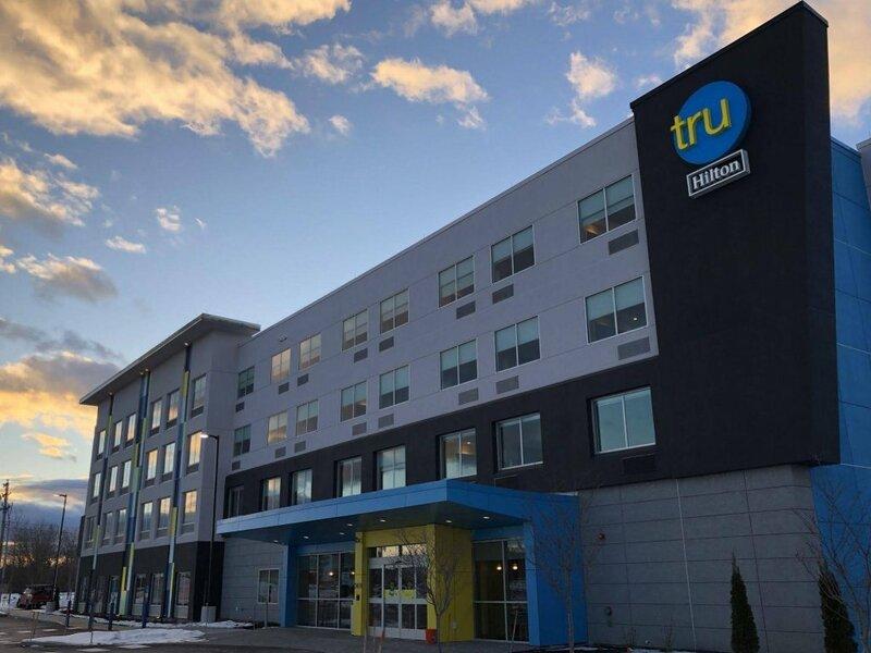 Tru by Hilton Portland Airport Area