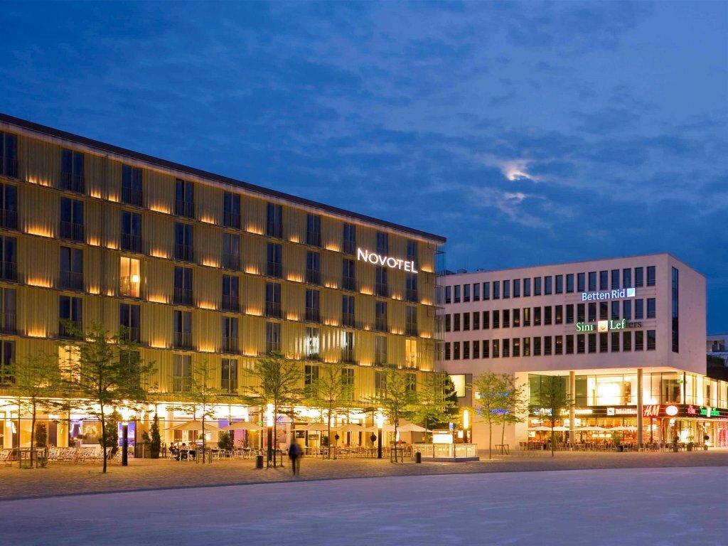 первых отели мюнхена с фото попытался понять