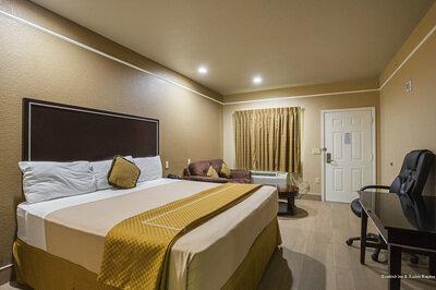 Scottish Inn & Suites Baytown