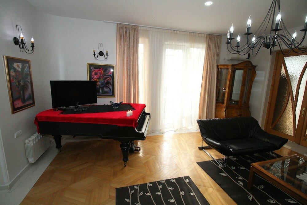 гостиница — Metekhi Gallery — Тбилиси, фото №2