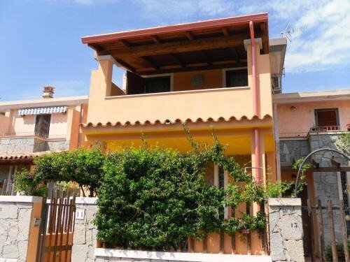 House With 2 Bedrooms in Villasimius, With Wonderful Mountain View and Enclosed Garden