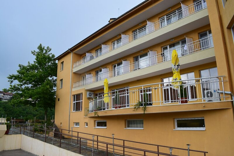 Balneo Hotel Bozhur