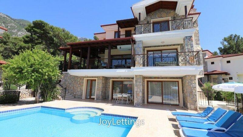Villa Ax07 by JoyLettings