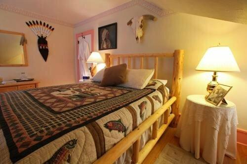 Robins Nest Bed & Breakfast