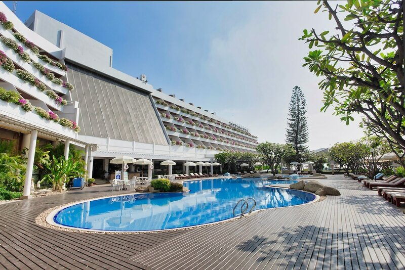 The Cha-am Methavalai Hotel
