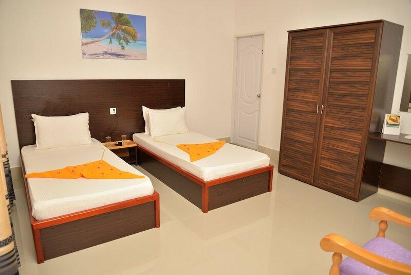 Moodhumaa Inn