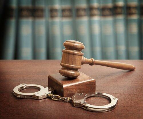 средняя стоимость адвоката по уголовному делу