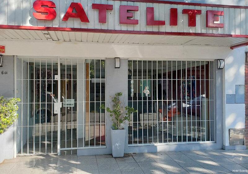 Hotel Satelite