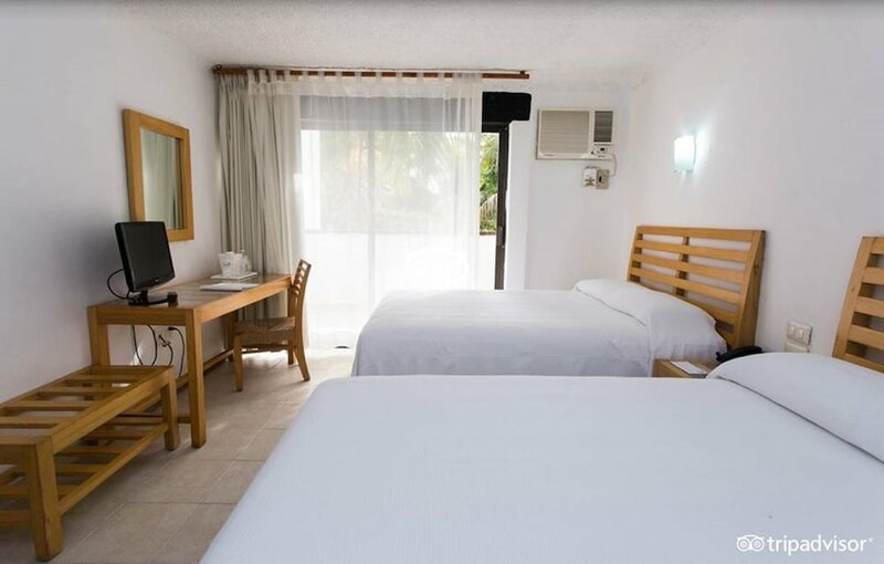 Hotel Sotavento & Yacht Club