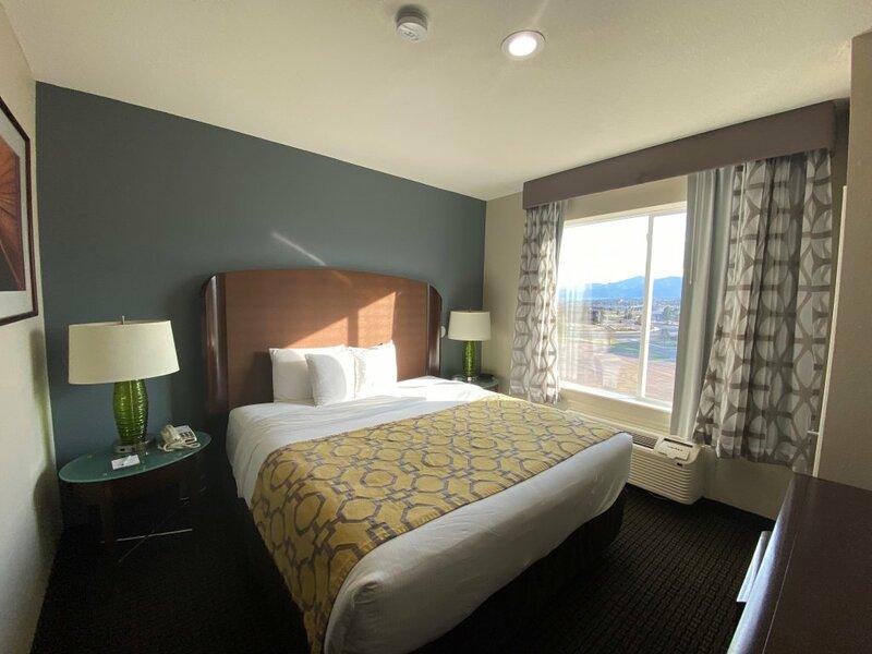 Отель Baymont Inn and Suites