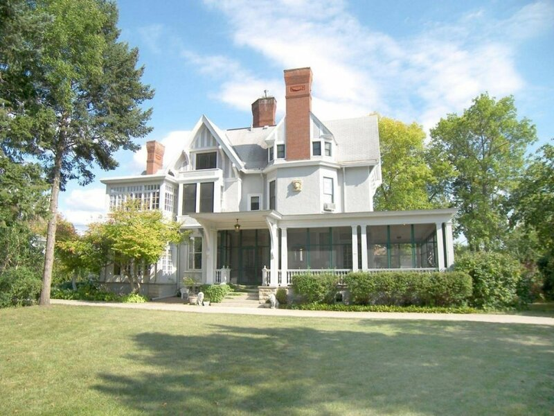 Alexander Mansion Bed and Breakfast