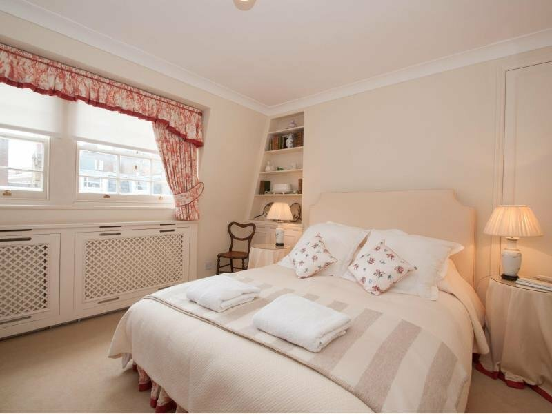 Veeve Smith Terrace Pretty Mews House 3 Bed 2 Bath Chelsea