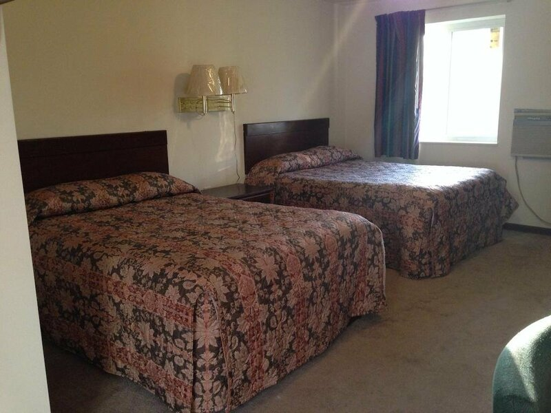 Colonial Village Motel