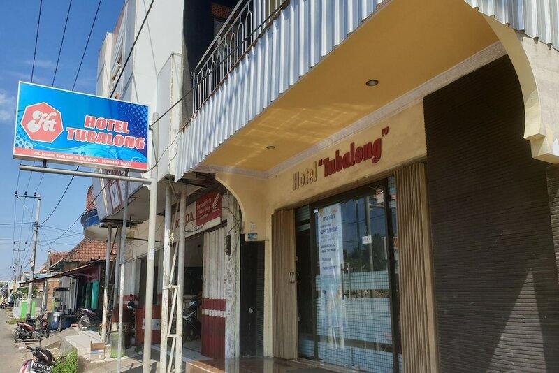 Oyo 2423 Hotel Tubalong Taliwang Syariah