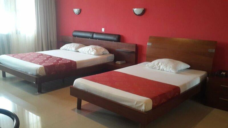 Hotel Plazza Inn