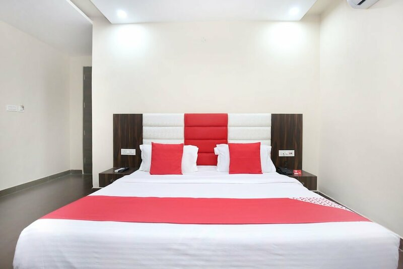 Oyo Rooms Queens Road Near Obc Bank