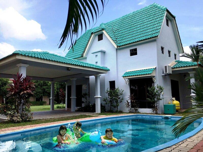 Travelore. My Homestay Villa D'Lagos