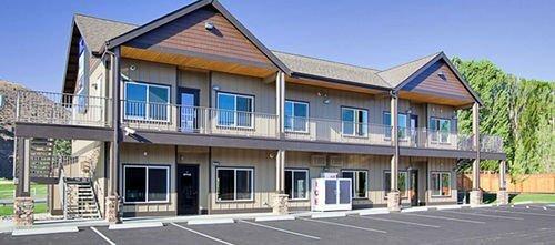 Suites at Crescent Bay Resort