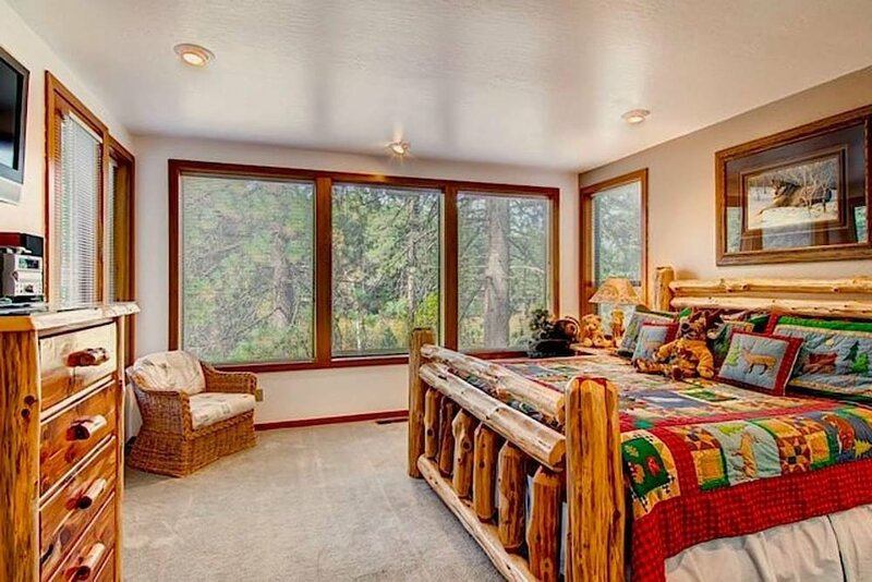 Skidder Trail Luxury Northstar Home by Redawning
