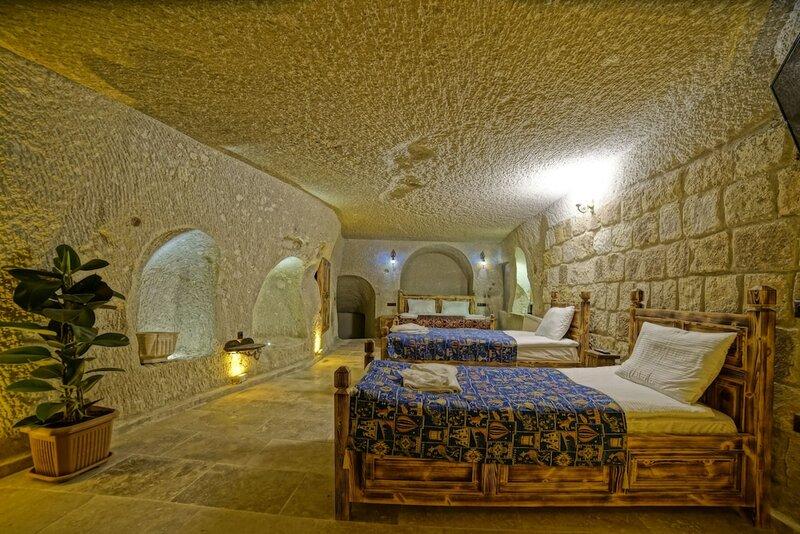 Zeus Cave Suites