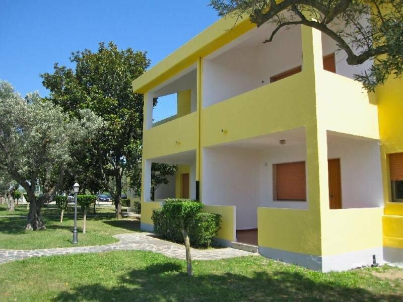 Triton Villas Hotel & Residence
