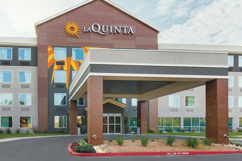La Quinta Inn & Suites by Wyndham Austin Round Rock