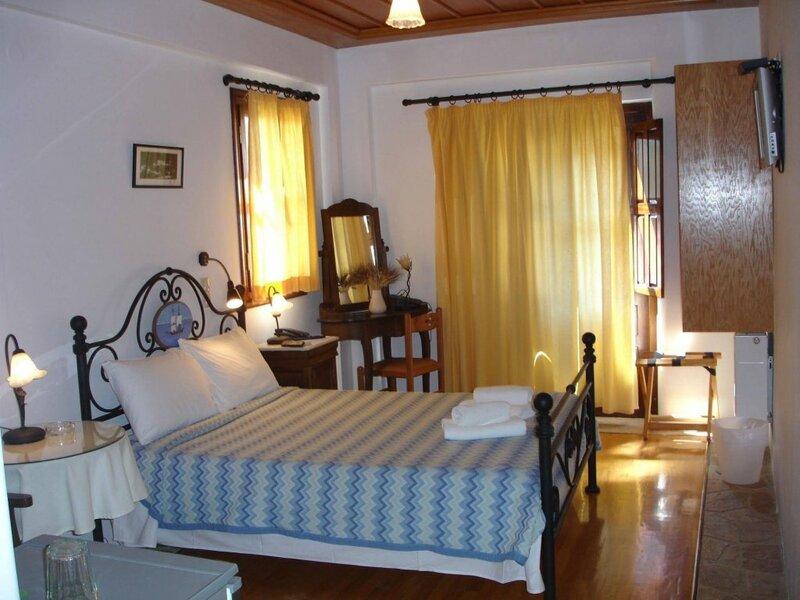 Paraliako Hotel